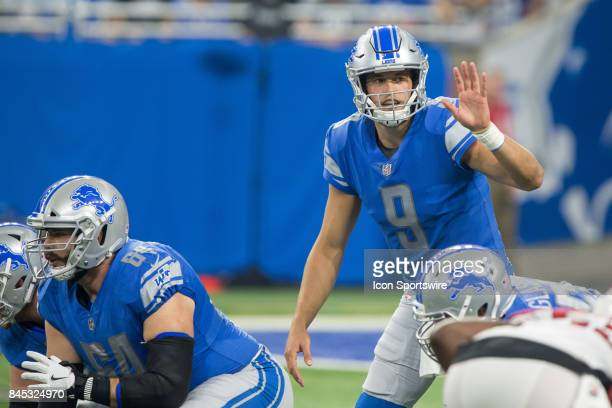 Detroit Lions quarterback Matthew Stafford calls out signals during first quarter game action between the Arizona Cardinals and the Detroit Lions on...