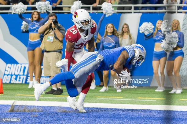 Detroit Lions wide receiver Kenny Golladay catches a pass in the end zone for a touchdown over Arizona Cardinals corner back Justin Bethel during...