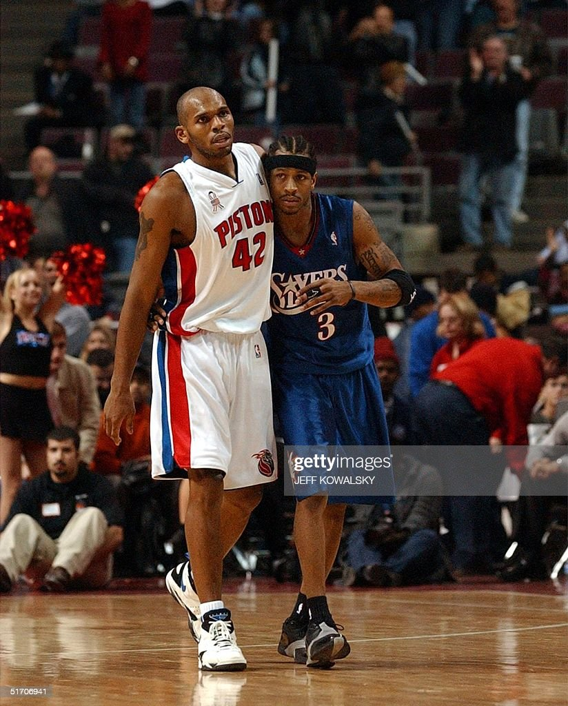 Detroit Pistons Jerry Stackhouse L hugs Philadel