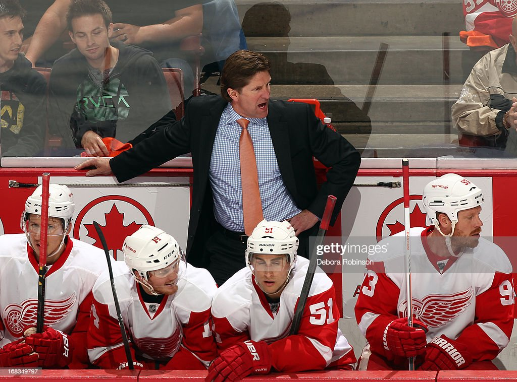 Detroit Red Wings head coach Mike Babcock talks to his players during the game against the Anaheim Ducks in Game Five of the Western Conference Quarterfinals during the 2013 NHL Stanley Cup Playoffs at Honda Center on May 8, 2013 in Anaheim, California.