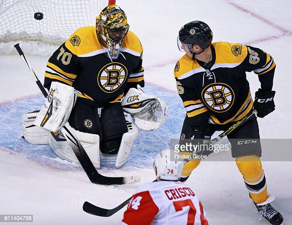 detroit-red-wings-prospect-kyle-criscuolo-beats-boston-bruins-in-picture-id611404758?s=594x594