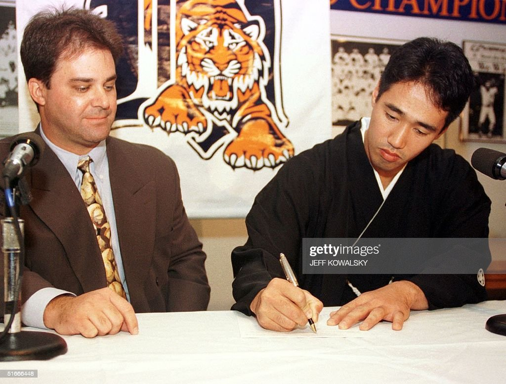 Detroit Tigers General Manager Randy Smith L wa