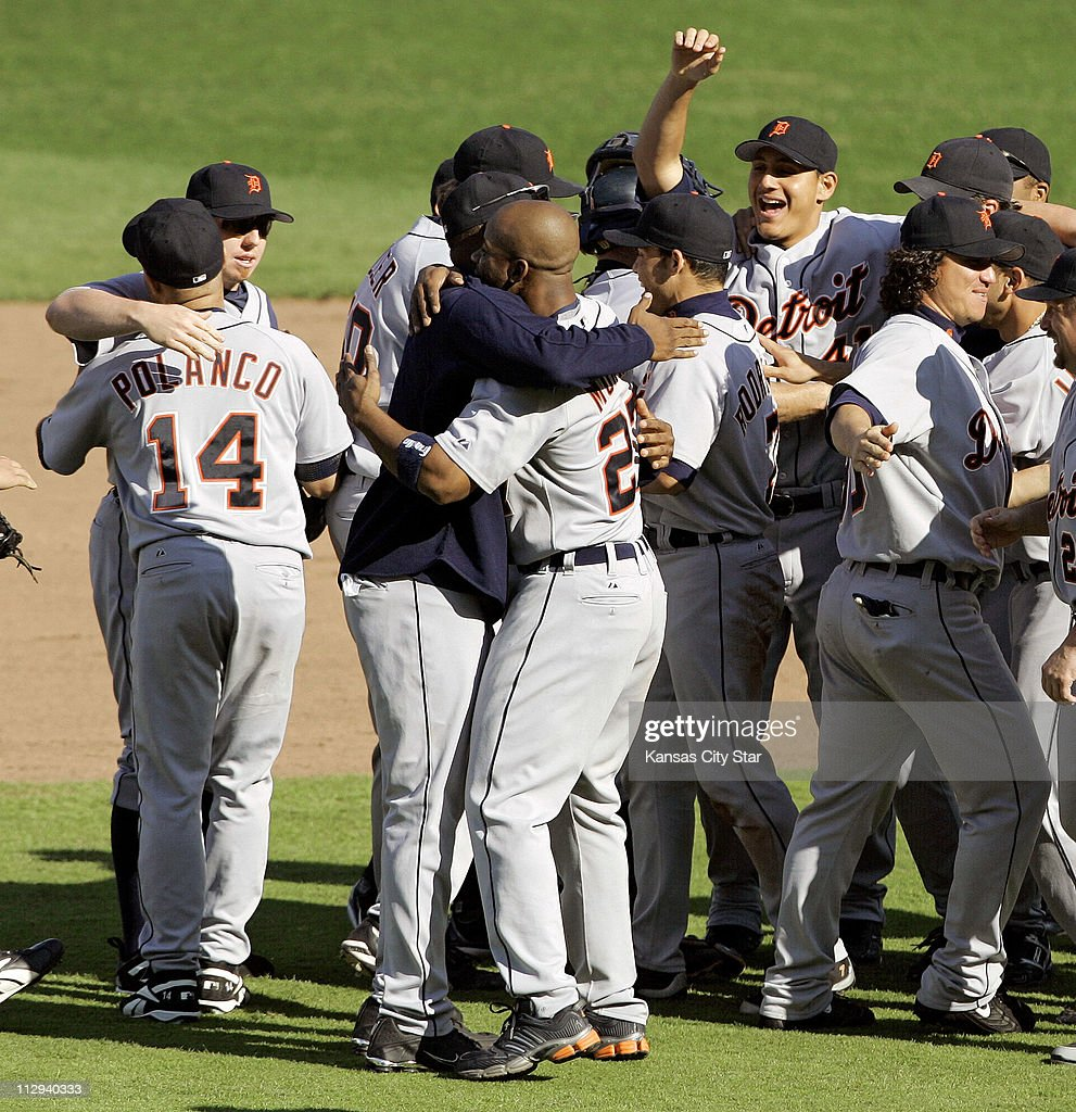 Image result for 2006 tigers clinch playoffs