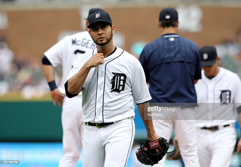 Detroit Tigers starting pitcher Anibal Sanchez heads to the dugout after being pulled by Detroit Tigers manager Brad Ausmus during the sixth inning...