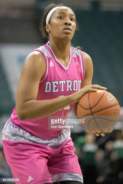 Detroit Titans F Kelsey Mitchell at the foul line during the fourth quarter of the women's college basketball game between the Detroit Titans and...