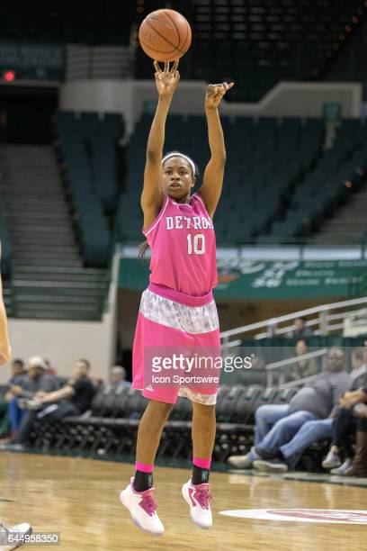Detroit Titans G Brittney Jackson shoots during the fourth quarter of the women's college basketball game between the Detroit Titans and Cleveland...