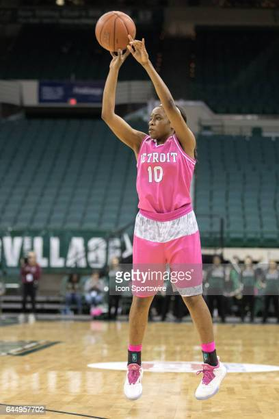 Detroit Titans G Brittney Jackson shoots during the third quarter of the women's college basketball game between the Detroit Titans and Cleveland...