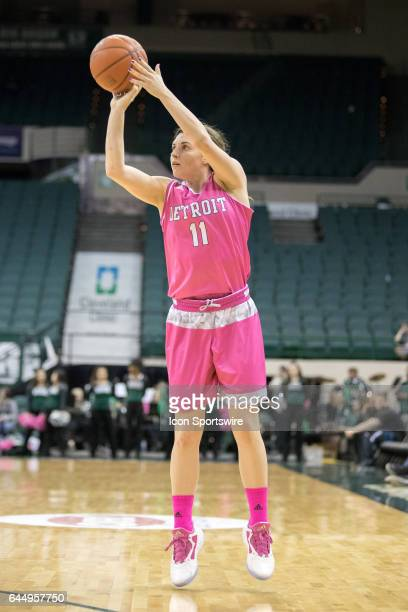 Detroit Titans G Rosanna Reynolds shoots during the third quarter of the women's college basketball game between the Detroit Titans and Cleveland...