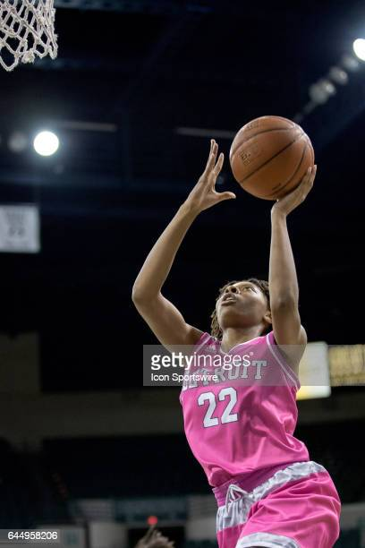 Detroit Titans G/F Zoey Oatis scores with a layup during the fourth quarter of the women's college basketball game between the Detroit Titans and...