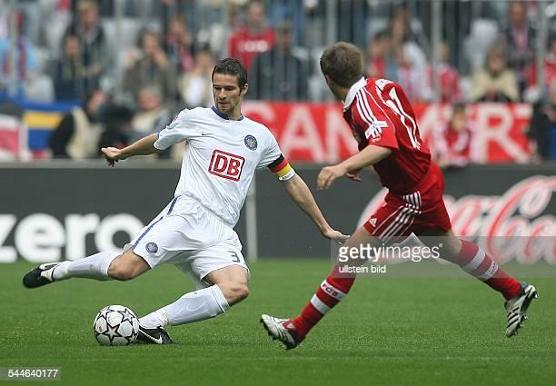 Deutschland Bayern München Bundesliga Saison 2006/2007 FC Bayern München Hertha BSC Berlin 42 Herthas Mannschaftskapitän Arne Friedrich und Philipp...