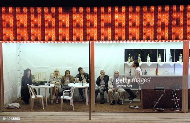 Palast der Republik Berlin Titel Berlin Alexanderplatz Autor nach Alfred Doeblin Regie Frank Castorf Buehne Kostueme Bert Neumann Premiere 16 Juni...