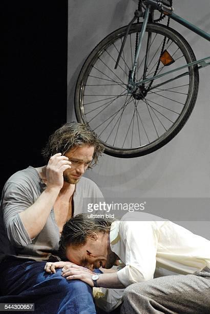 Renaissance Theater Berlin Titel Maennergespraeche Autor Morten feldmann Regie Ulrich Waller Buehne Raimund Bauer Kostueme Ilse Welter Premiere 05...