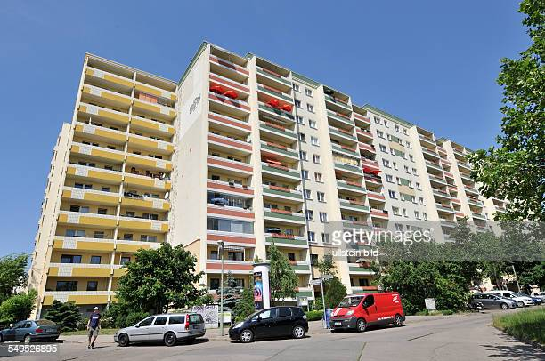 Deutschland Berlin Plattenbau Marzahn Wohnhaus der Gagfah Wohnungsbaugesellschaft