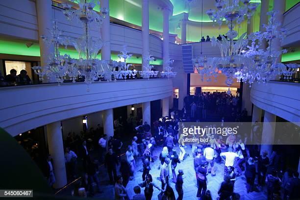Nachtclub photos et images de collection getty images - Nachtclub ...