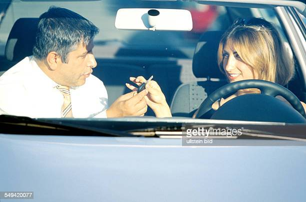 VW Audi Ali Haydar Berkpinar turkish salesman handing over the car and the key to a young turkish woman