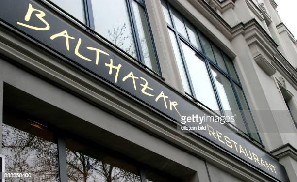 Deutschland BerlinCharlottenburg Schriftzug vom Restaurant Balthazar am Kurfuerstendamm