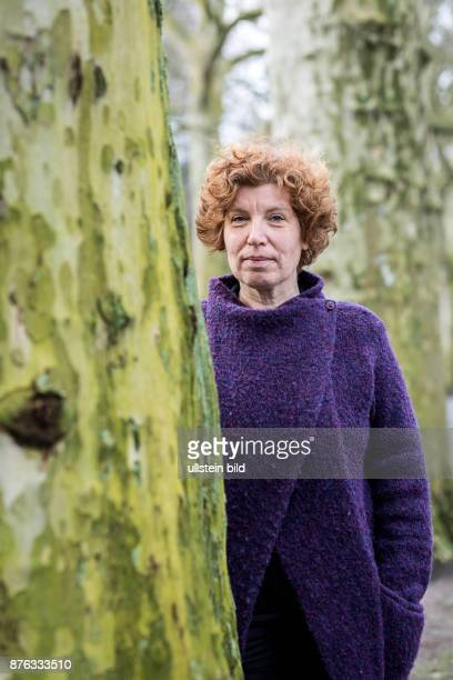 DEU Deutschland Germany Berlin Die Schriftstellerin Architektin und Journalistin Zora del Buono im Porträt