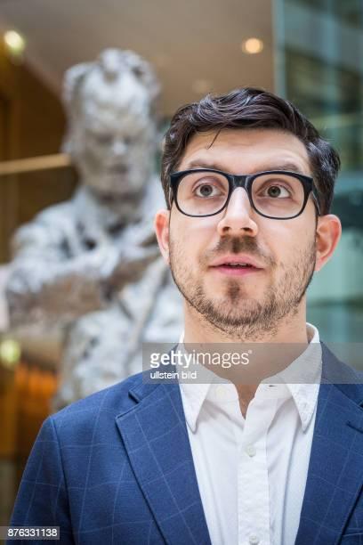 DEU Deutschland Germany Berlin Porträt des ehemaligen Chefs der Piratenpartei Christoph Lauer in der SPDParteizentrale