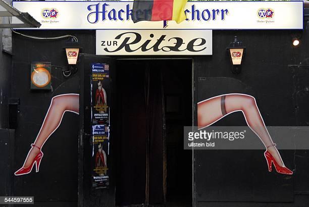 Deutschland Hamburg St Pauli Eingang zum Lokal 'Zur Ritze' an der Reeperbahn