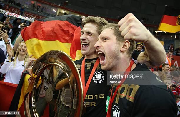 Deutschland Handball Mannschaft ist Europameister 2016 Steffen WEINHOLD Deutschland und Rune DAHMKE Deutschland mit Schale 12th Men's European...