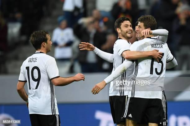 FUSSBALL Deutschland Italien 0 Mario Goetze Shkodran Mustafi und Thomas Mueller