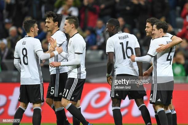 FUSSBALL Deutschland Italien 0 Mesut Oezil Mats Hummels Julian Draxler Antonio Ruediger Shkodran Mustafi und Sebastian Rudy