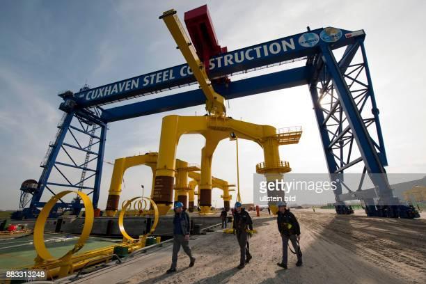 Deutschland Niedersachsen Cuxhaven Cuxhaven Steel Construction GmbH CSC Unternehmen der BARDGruppe Fertigung von Fundamenten fuer...