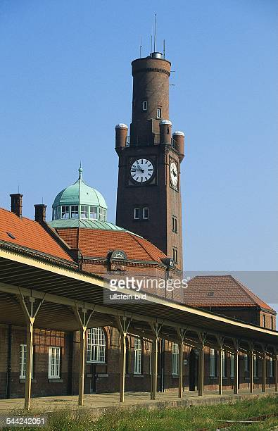 Deutschland Niedersachsen Cuxhaven Die historischen HapagHallen am Steubenhoeft