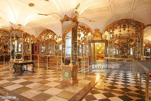 Deutschland Sachsen Dresden das historischeGrüne Gewölbe im Residenzschloss Pretiosensaal