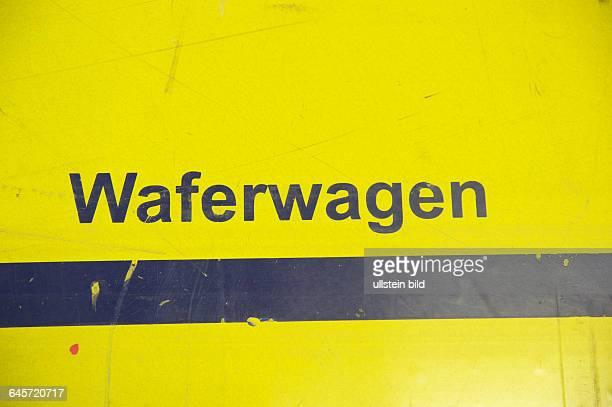 Deutschland Thalheim 26012105 QCells Solarhersteller altes Werksgelände heute QPark ehem Werkhalle Standort der ehem Maschinen