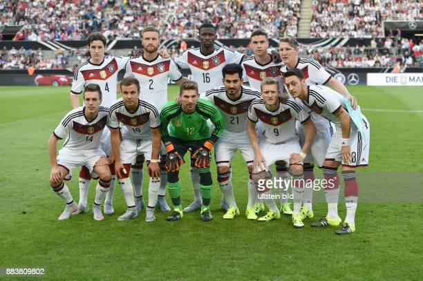 FUSSBALL Deutschland USA Teamfoto Deutschland hintere Reihe von links Sebastian Rudy Shkodran Mustafi Antonio Ruediger Jonas Hector Bastian...