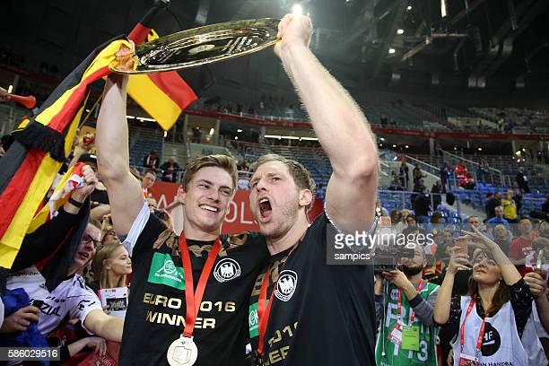 Deutschlands Handballer sind Europameister 2016 Rune DAHMKE Deutschland Steffen WEINHOLD Deutschland mit Schale 12th Men's European Handball...