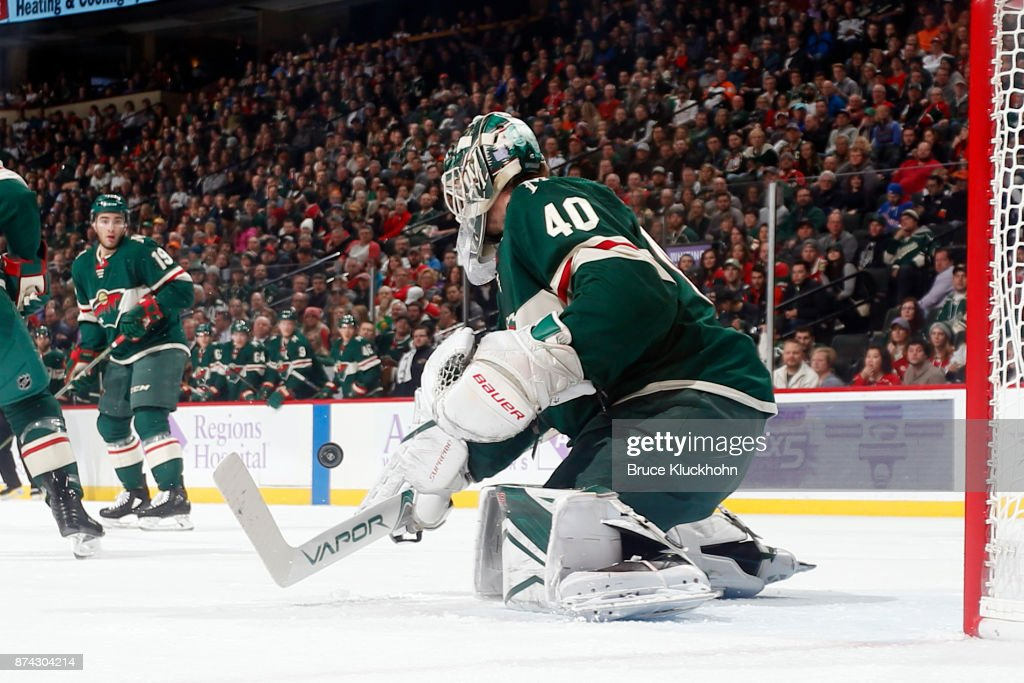 Devan Dubnyk #40 of the Minnesota Wild makes a save against the Philadelphia Flyers during the game at the Xcel Energy Center on November 14, 2017 in St. Paul, Minnesota.