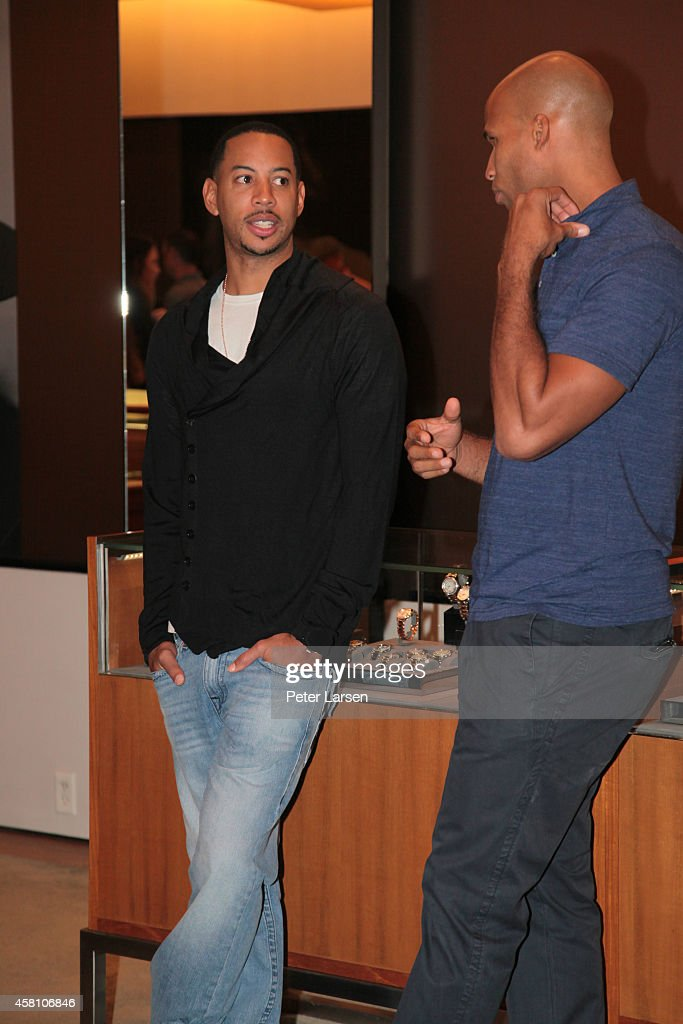 Devin Harris and Richard Jefferson attend an instore event hosted by David Yurman with Monta Ellis and Juanika Ellis benefiting Susan G Komen October...