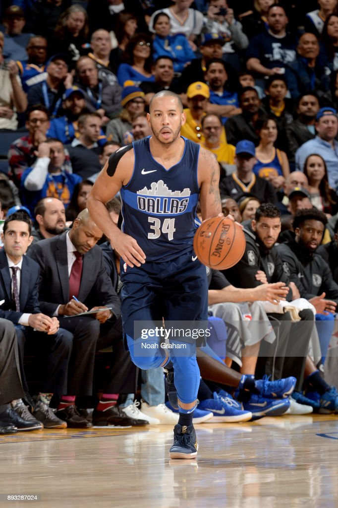 Devin Harris #34 of the Dallas Mavericks handles the ball against the Golden State Warriors on December 14, 2017 at ORACLE Arena in Oakland, California.