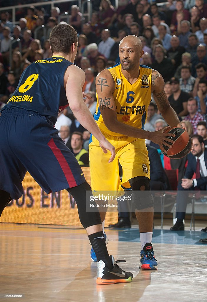 Devin Smith, #6 of Maccabi Electra Tel Aviv in action during the Turkish Airlines Euroleague Basketball Top 16 Date 10 game between FC Barcelona v Maccabi Electra Tel Aviv at Palau Blaugrana on March 12, 2015 in Barcelona, Spain.