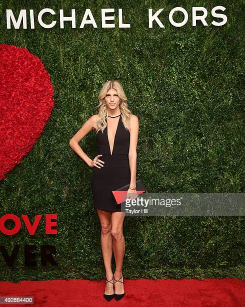Devon Windsor attends the 2015 God's Love WE Deliver Golden Heart Awards at Spring Studios on October 15 2015 in New York City