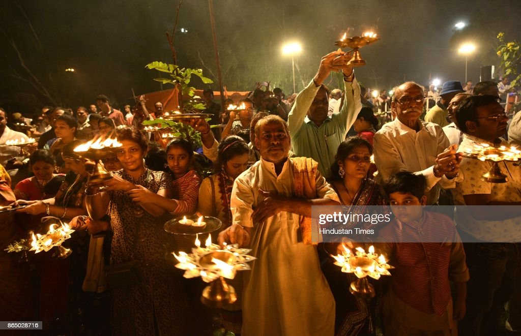 Delhi Lt. Governor Delhi LG Anil Baijal And BJP Leader Mahesh Giri Attend Yamuna Aarti At Kudsia Ghat