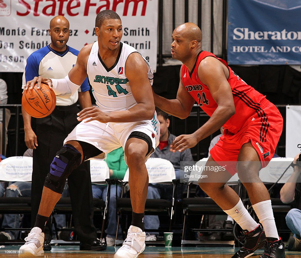 <a gi-track='captionPersonalityLinkClicked' href=/galleries/search?phrase=Dexter+Pittman&family=editorial&specificpeople=4846703 ng-click='$event.stopPropagation()'>Dexter Pittman</a> #44 of the Sioux Falls Skyforce backs down <a gi-track='captionPersonalityLinkClicked' href=/galleries/search?phrase=Antoine+Walker&family=editorial&specificpeople=201601 ng-click='$event.stopPropagation()'>Antoine Walker</a> #24 of the Idaho Stampede in the first half of their game February 12, 2011 at the Sioux Falls Arena in Sioux Falls, South Dakota.