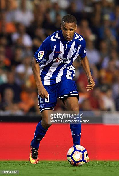 Deyverson of Deportivo Alaves in action during the La Liga match between Valencia CF and Deportivo Alaves at Mestalla Stadium on September 22 2016 in...
