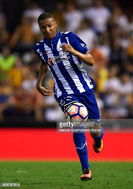 Deyverson of Deportivo Alaves runs with the ball during the La Liga match between Valencia CF and Deportivo Alaves at Mestalla Stadium on September...