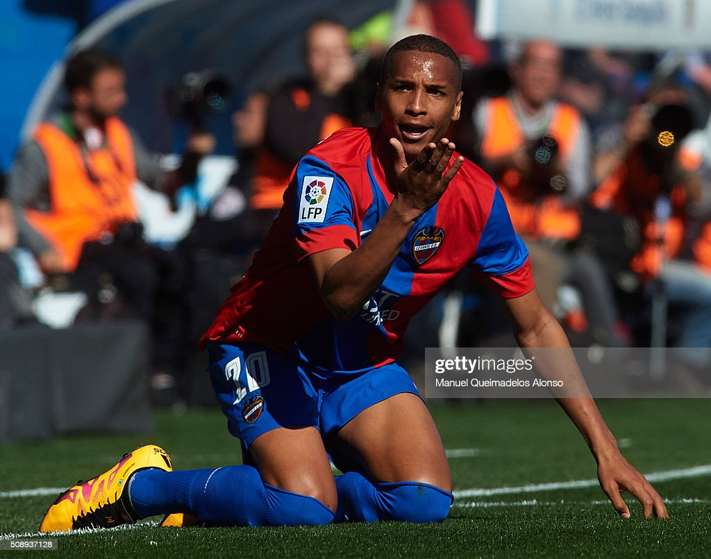Deyverson of Levante reacts on the pitch during the La Liga match between Levante UD and FC Barcelona at Ciutat de Valencia on February 07, 2016 in Valencia, Spain.