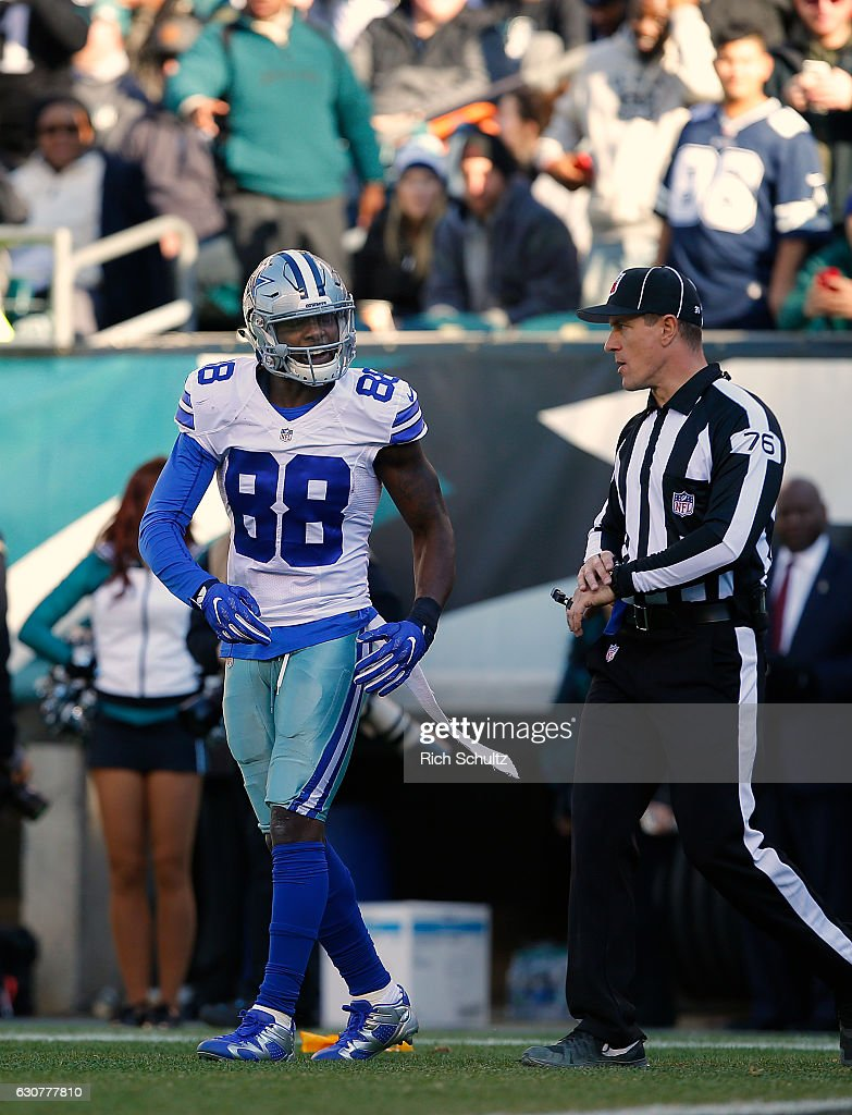 Dez Bryant #88 of the Dallas Cowboys reacts to a pass interference penalty called against the Philadelphia Eagles during the first quarter of a game at Lincoln Financial Field on January 1, 2017 in Philadelphia, Pennsylvania.