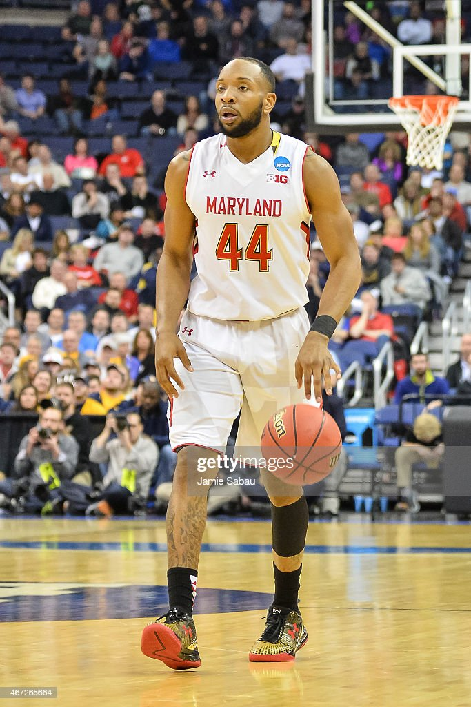 Dez Wells of the Maryland Terrapins controls the ball against Valparaiso Crusaders during the second round of the 2015 NCAA Men's Basketball...