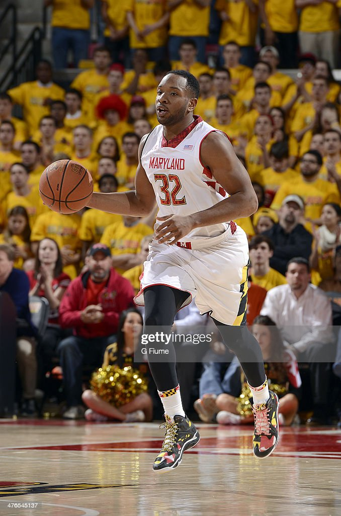 Dez Wells of the Maryland Terrapins handles the ball against the Syracuse Orange at the Comcast Center on February 24 2014 in College Park Maryland