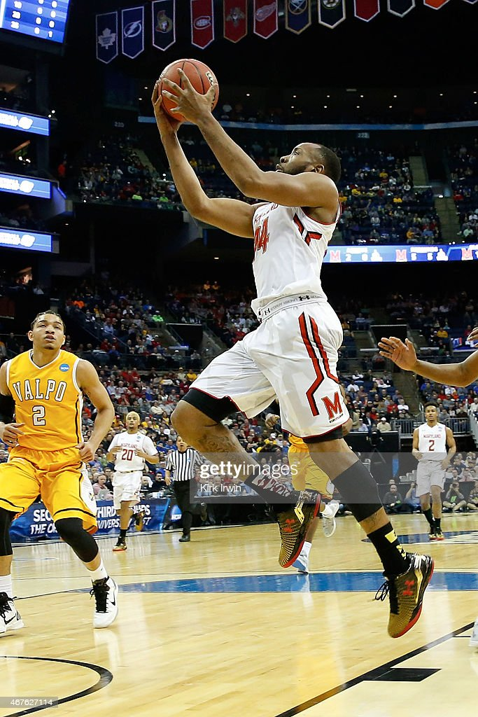 Dez Wells of the Maryland Terrapins shoots the ball during the second round of the 2015 NCAA Men's Basketball Tournament at Nationwide Arena on March...