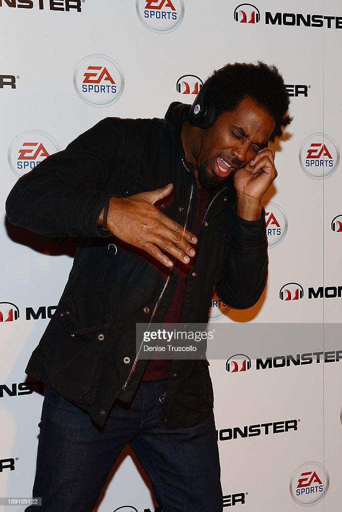 <a gi-track='captionPersonalityLinkClicked' href=/galleries/search?phrase=Dhani+Jones&family=editorial&specificpeople=212903 ng-click='$event.stopPropagation()'>Dhani Jones</a> arrives at EA Sports MVP Carbon by Monster exclusive headphone launch at The Act Nightclub at on January 8, 2013 in Las Vegas, Nevada.