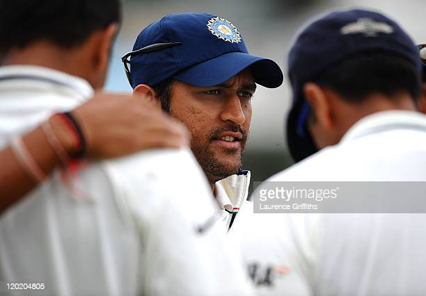 Dhoni of India pulls his side into a huddle during the second npower Test match between England and India at Trent Bridge on August 1 2011 in...