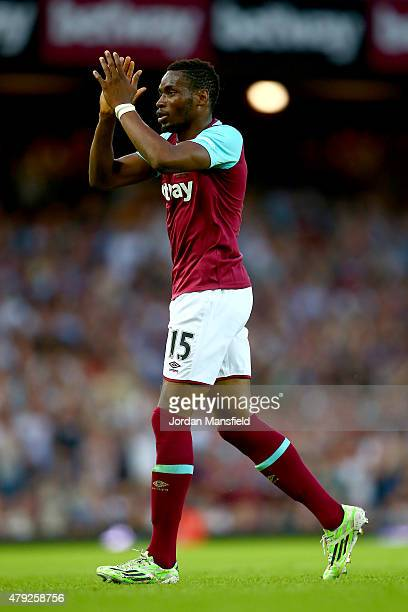 Diafra Sakho of West Ham acknowledges the crowd as he leaves the field during the UEFA Europa League match between West Ham United and FC Lusitans at...