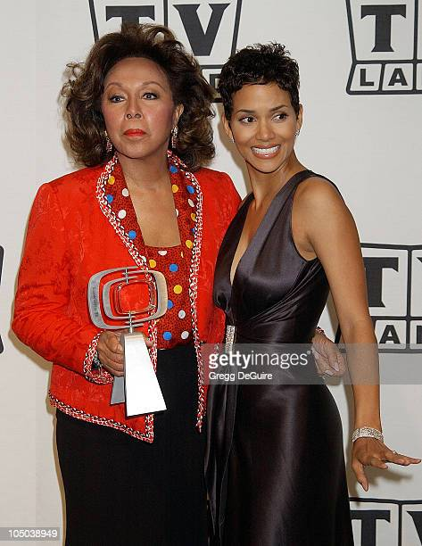 Diahann Carroll and Halle Berry during TV Land Awards A Celebration of Classic TV Press Room at Hollywood Palladium in Hollywood California United...